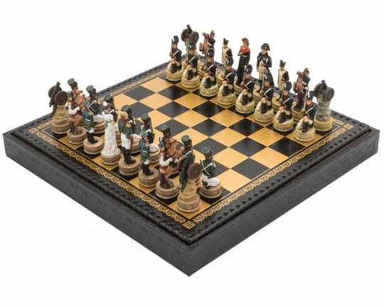 The Napoleon vs Russians Italian Nero Chess Set with Draughts