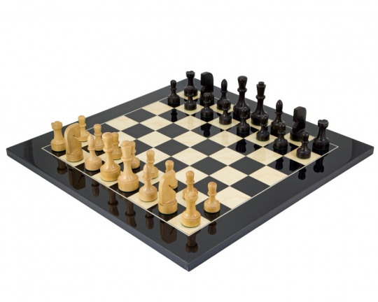 Contemporary Chess Set with Black Anegre Chess Board